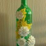 Зеленая бутылка с цветами из полимерной глины