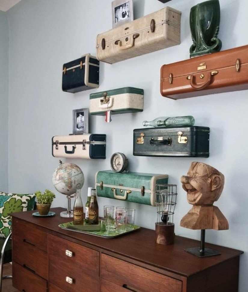 Настенные полки из чемоданов в интерьере