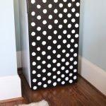 Черно-белый холодильник