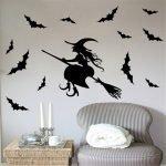 Летучие мыши вокруг ведьмы