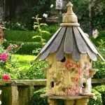 Скворечник в саду