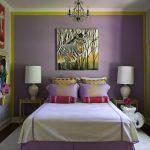 Картина с зеброй в спальне