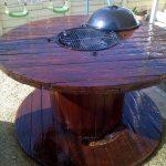 Лакированный стол из катушки