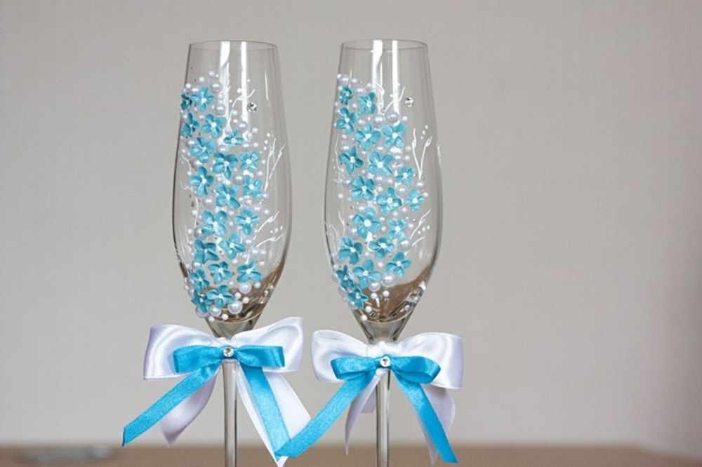 Свадебные бокалы с узором из полимерной глины