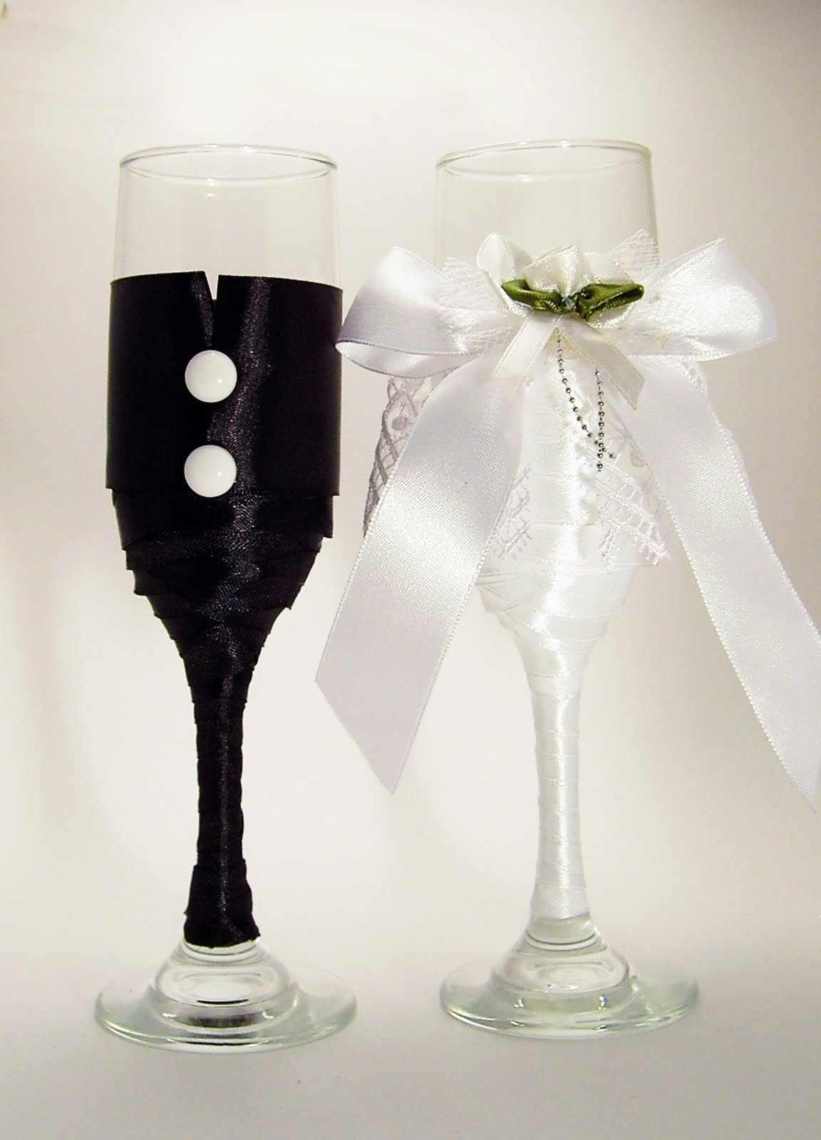 Бокалы в виде жениха и невесты