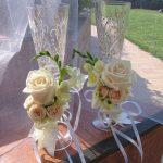 Букеты цветов на бокалах