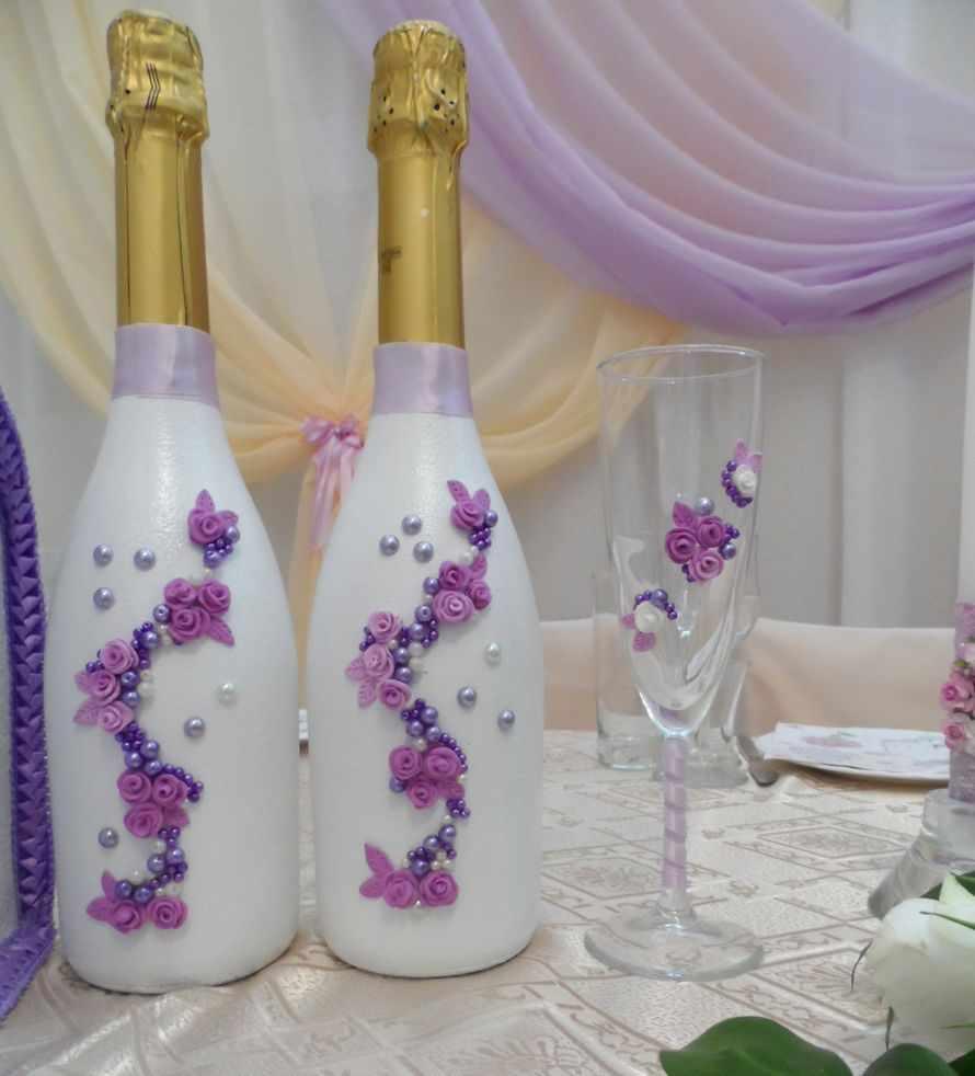 Цветы из полимерной глины на свадебных бутылках