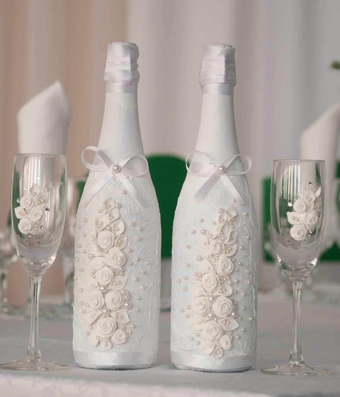 Стильное оформление бутылок и бокалов