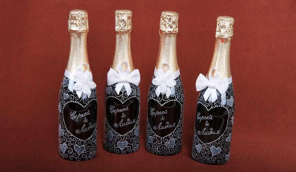 Роспись красками свадебных бутылок