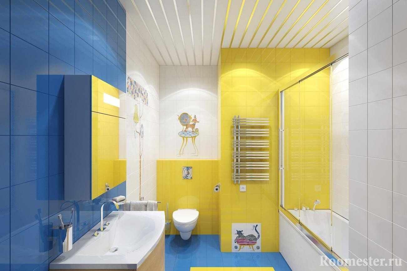 Синий, желтый и белый цвета в интерьере ванной