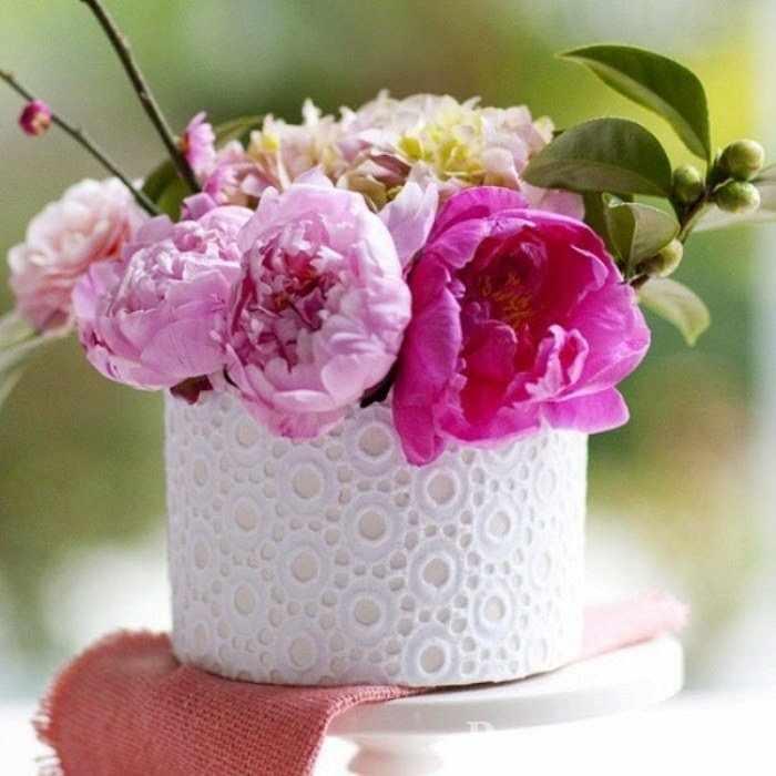 Декор вазы кружевом