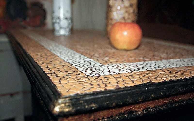 Декор мебели яичной скорлупой