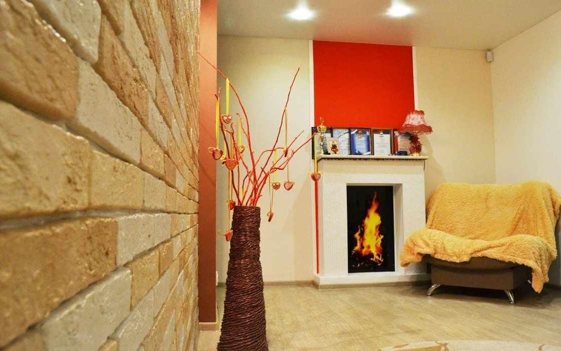 Стена в гостиной