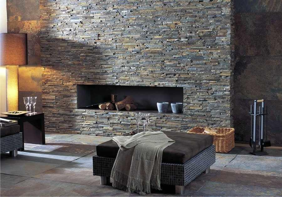Искусственный камень на стене в интерьере