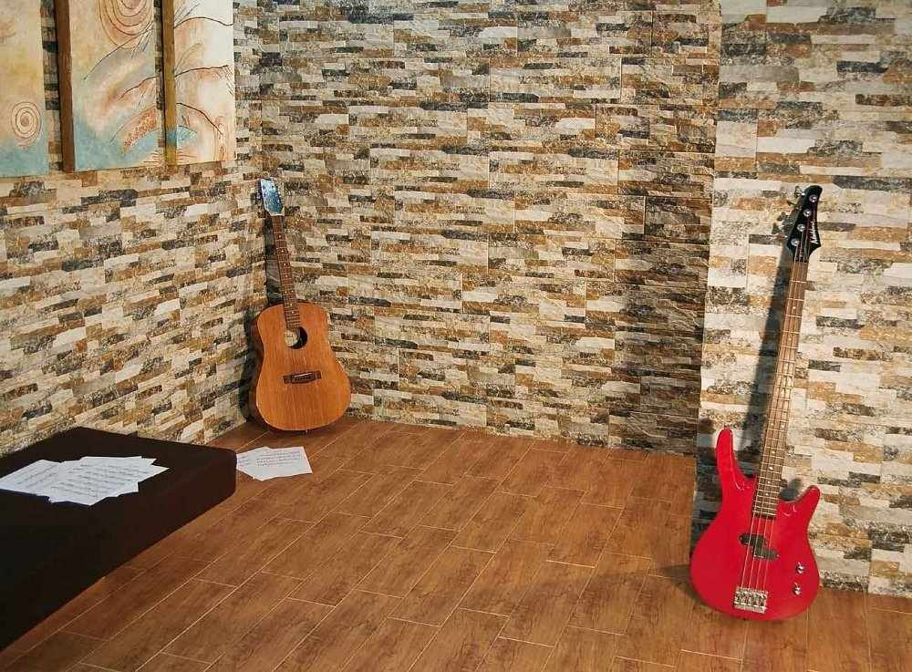 Модульная картина на стене с плиткой под камень