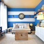 Комната в бело-голубых тонах