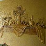 Объемный декор стены из декоративной штукатурки