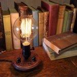 В виде настольной лампы