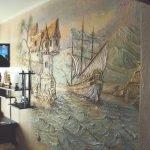 Старинный замок и корабль