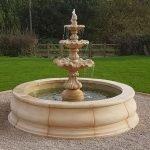 Многоуровневый фонтан со встроенным насосом