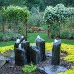 Несколько фонтанов в камне