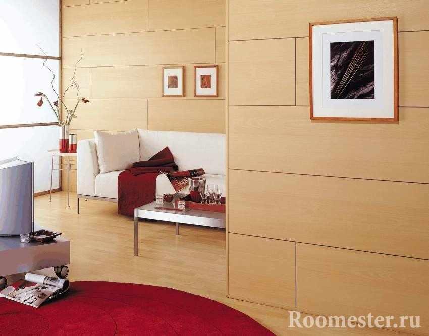 Бежевые панели в гостиной