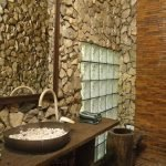 Ванная комната в коричневых тонах