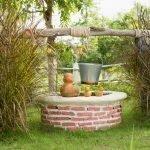 Мини-колодец для украшения огорода