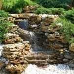 Сочетание камней и растений
