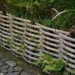 Плетеный заборчик для сада