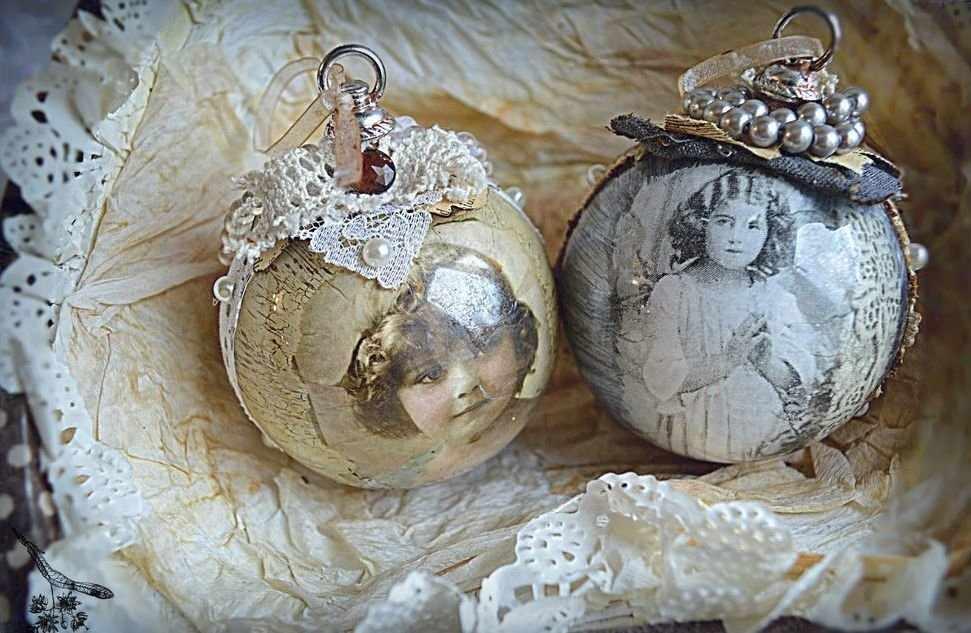 Декупаж новогодних шаров фотографиями