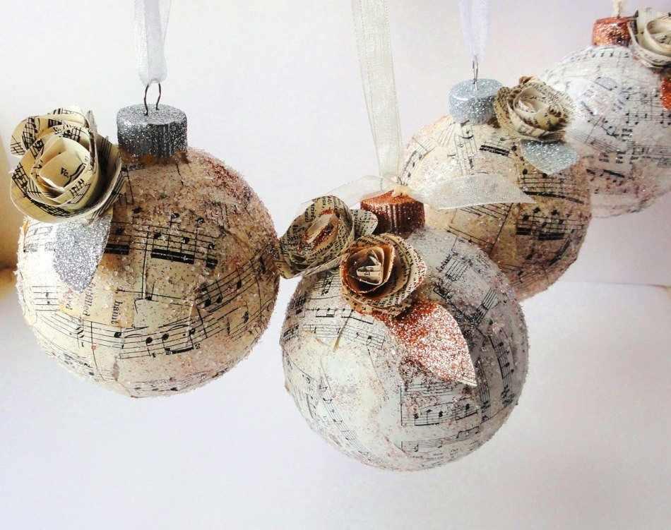 Декупаж новогодних шаров бумагой