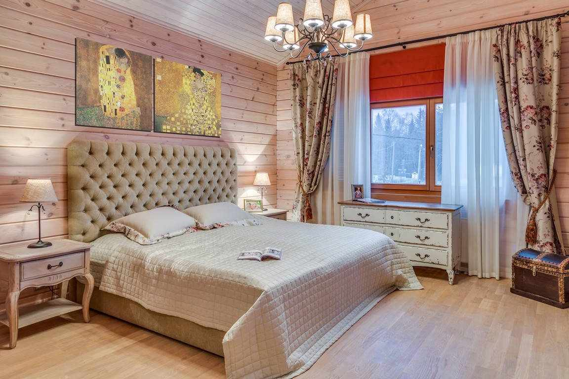 Спальня в деревенском доме