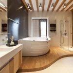 Душ и ванна на подиуме
