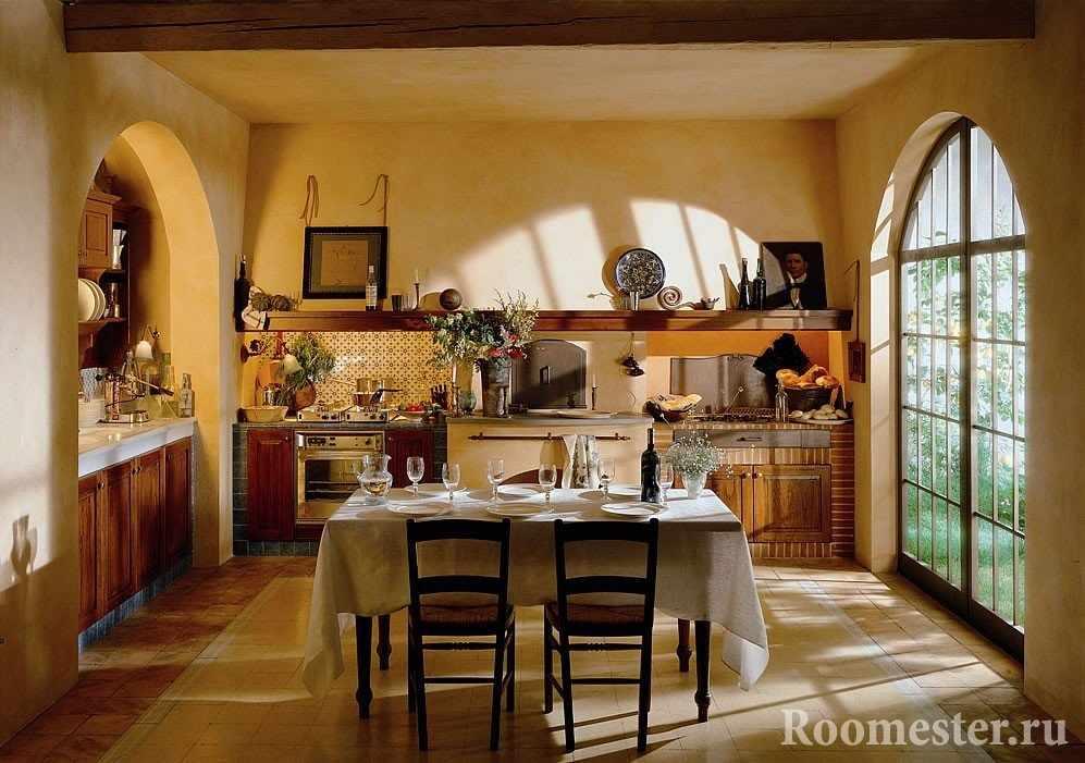 Кухня-столовая с панорамным окном