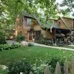 Дом из дерева на участке
