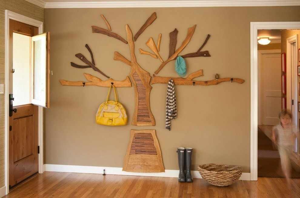 Вешалка в виде дерева