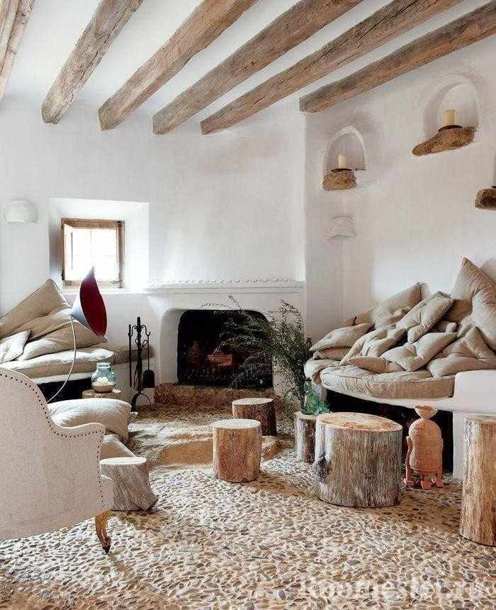 Использование дерева в гостиной в стиле рустика