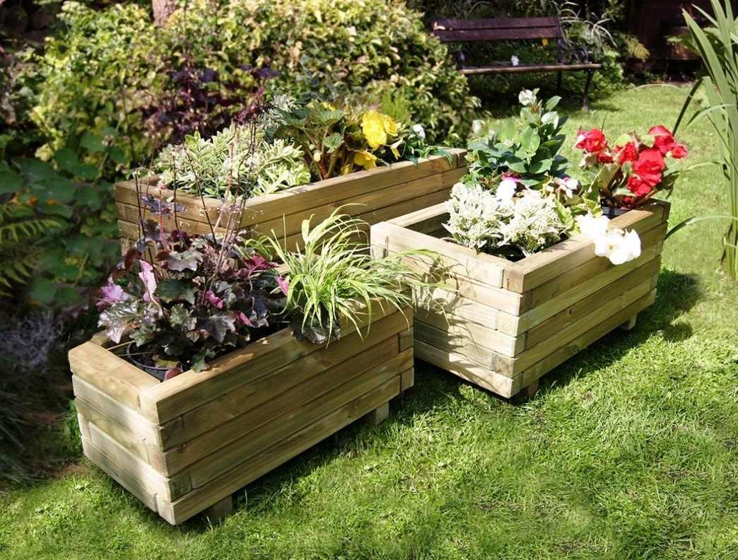 Ящики в саду