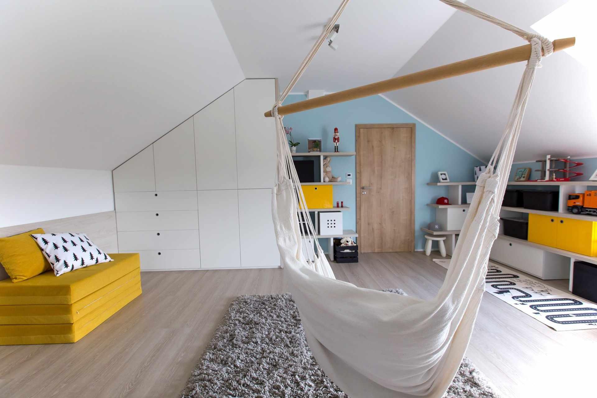 Светлая детская комната