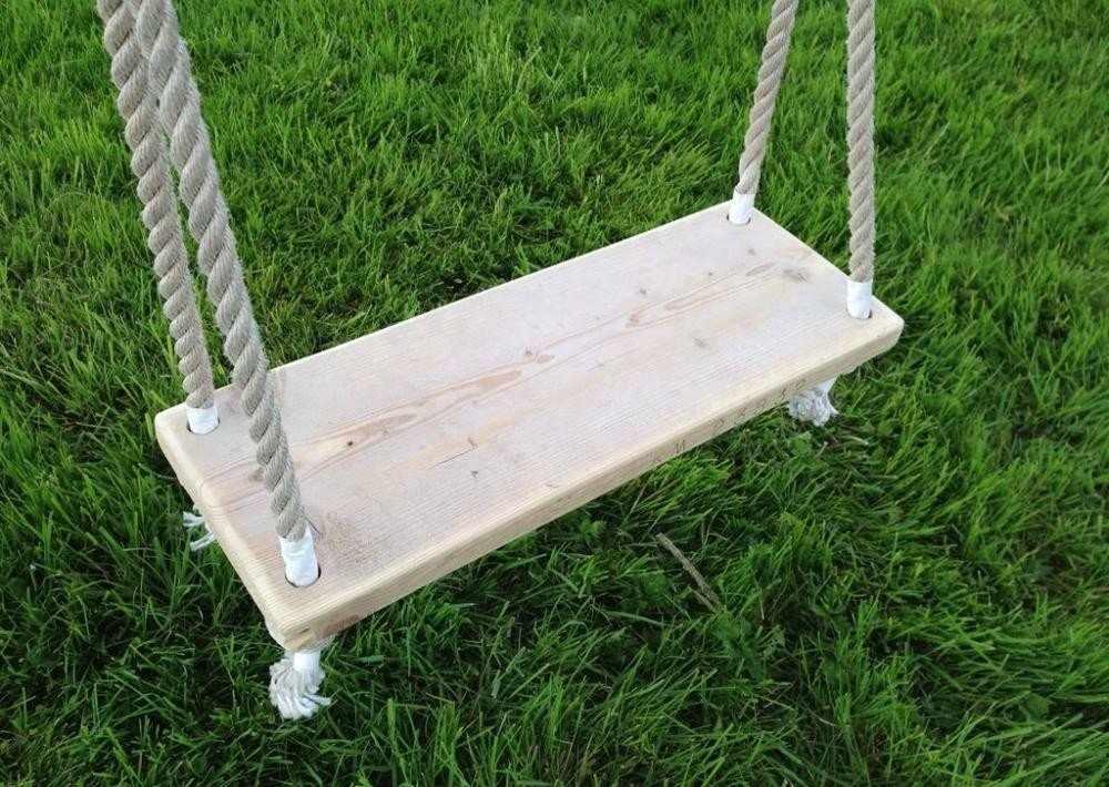 Деревянные качели для детской площадки