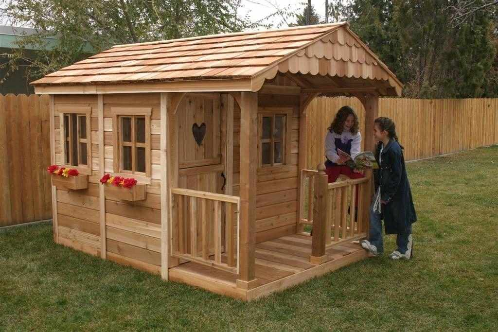 Деревянный дом для детей
