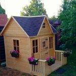 Деревянный домик для девочки