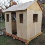 Делаем домик из фанеры