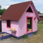 розовый домик из фанеры