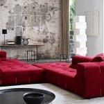 Разворачивающийся диван в гостиной