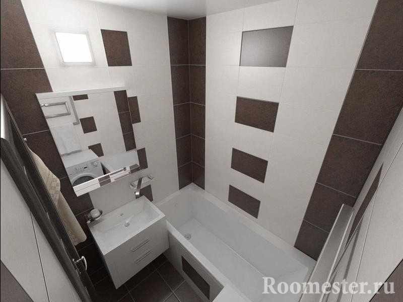 Небольшая ванная отделанная белой и коричневой плиткой