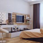 Дерево на полу и стене в спальне