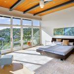 Вид на горы из окна спальни