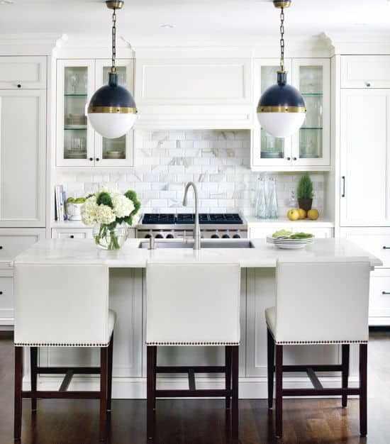 Шкафы в прямой кухне